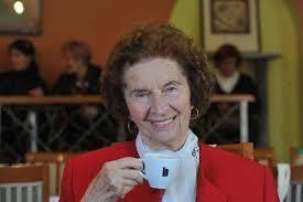 V 91. letu se je poslovila pisateljica KAROLINA KOLMANIČ